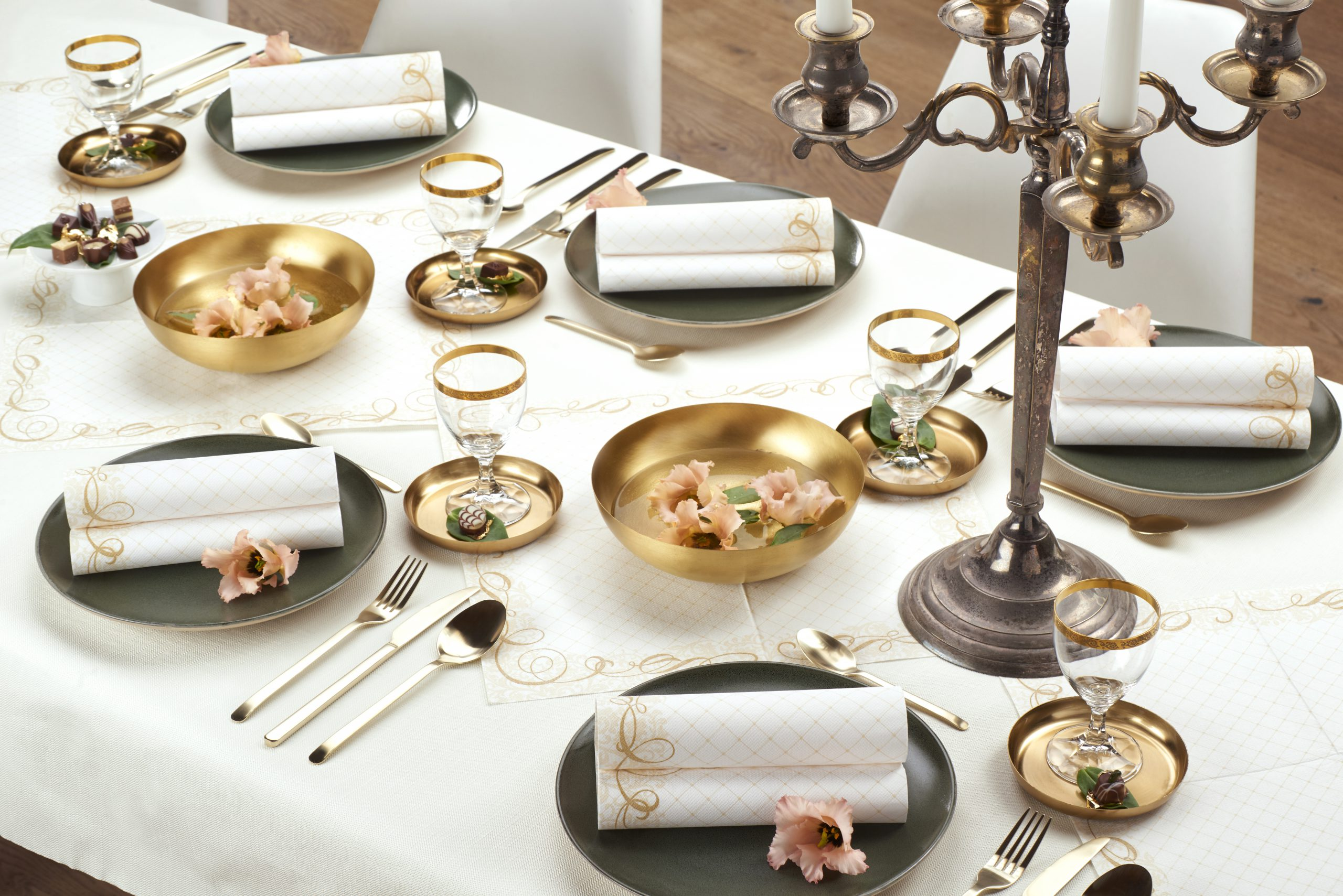 Thema-goud-tafelaankleding-speciale-evenementen-conpax
